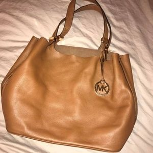MICHAEL KORS BAG - Like New